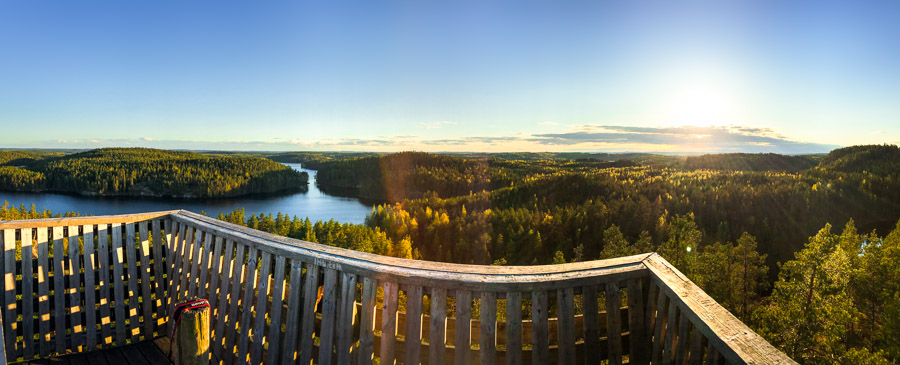 The observation tower of Mustalamminvuori Repovesi kansallispuisto national park lapinsalmi valokuva luontokuva retkeily vaellus