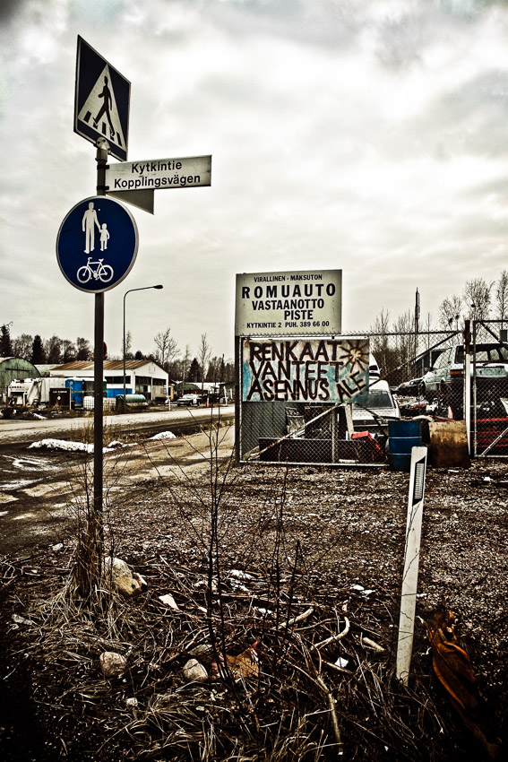 Tattarisuo teollisuusalue Helsinki romukauppa romuauto rappioromantiikka valokuva photo photography