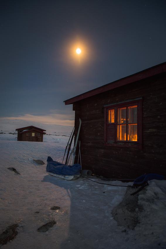 Saarijärvi open wilderness hut kilpisjärvi halti autiotupa saarijärvi yö talvivaellus ski hike