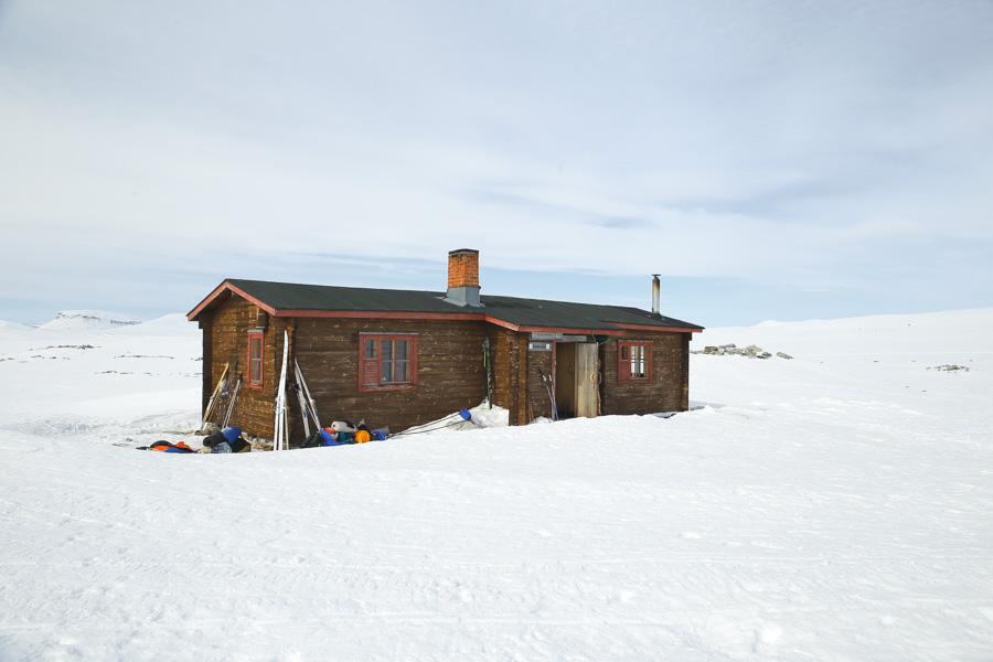 Saarijärvi open wilderness hut kilpisjärvi halti autiotupa saarijärvi talvivaellus ski hike