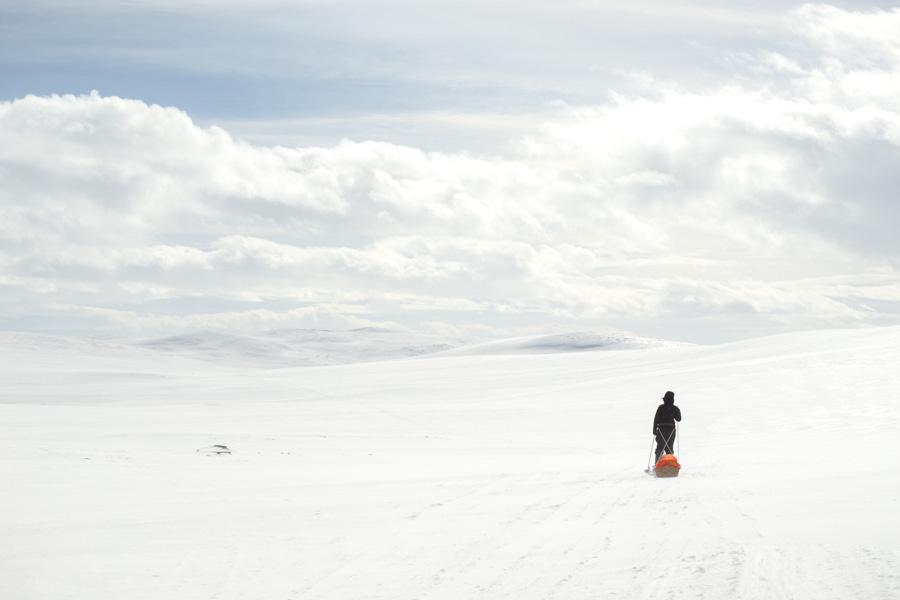 Skiing from Lossujärvi to Saarijärvi ski hike from Kilpisjärvi Halti hiihto hiihtovaellus vaellus talvi talvivaellus ahkio keväthanget