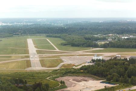 Malmin lentokenttä airport kiitotie runway EFHF