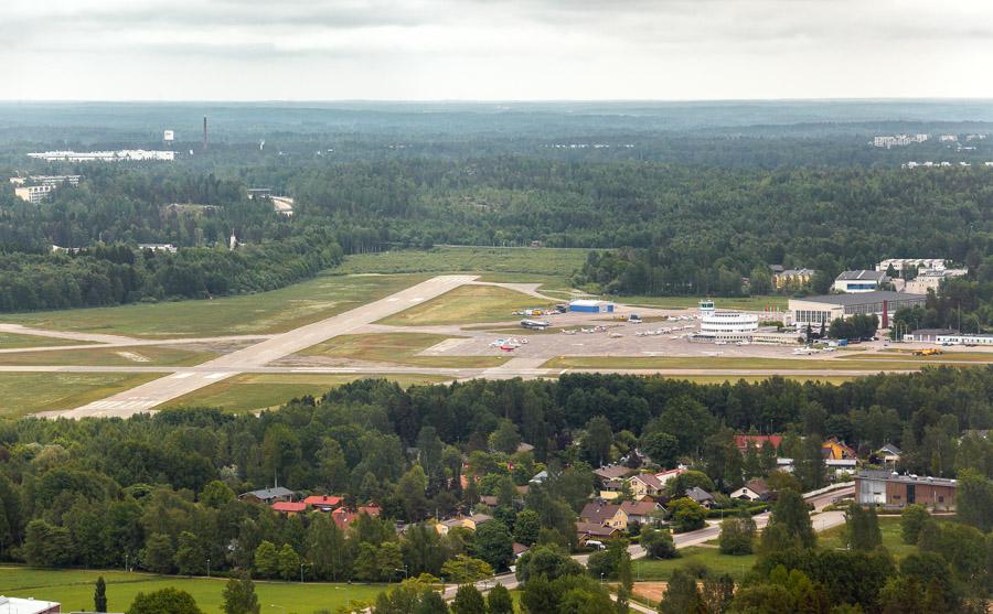Helsinki Sightseeing flight from Malmi EFHF airport Malmin lentokenttä OH-CMP